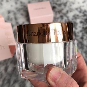 Charlotte Tilbury Makeup - Charlotte Tilbury Magic Cream